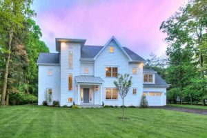 8 Evergreen Parkway Front