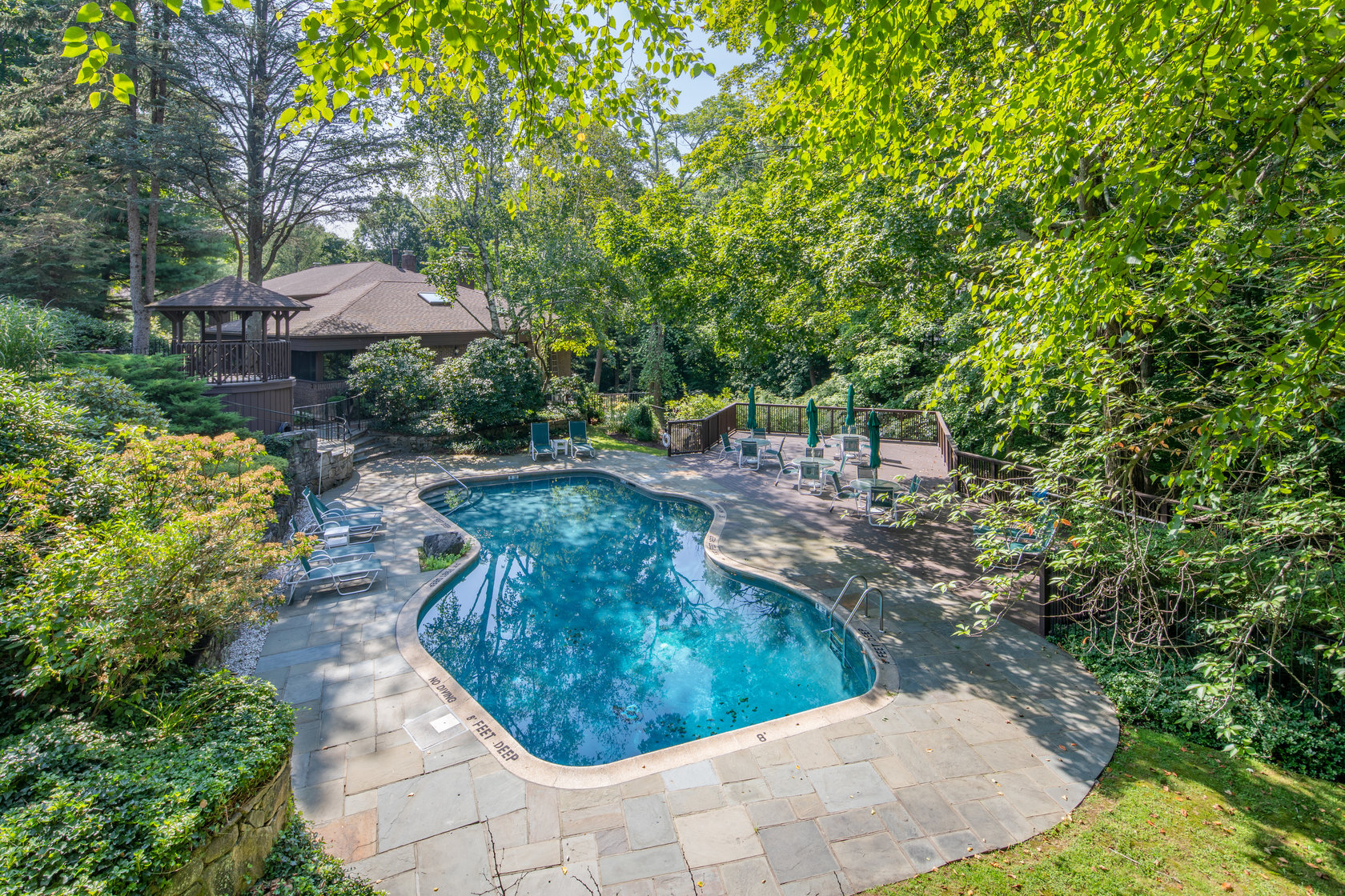 19 Canaan Close with Pool