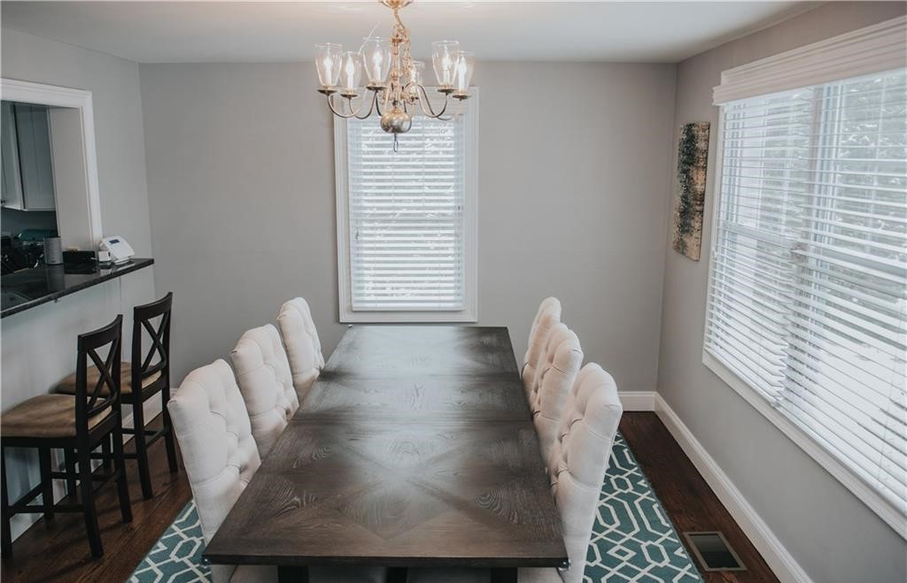 151 Valleyview Road - Dining