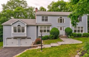 17 INDIAN LEDGE DRIVE, TRUMBULL, CT
