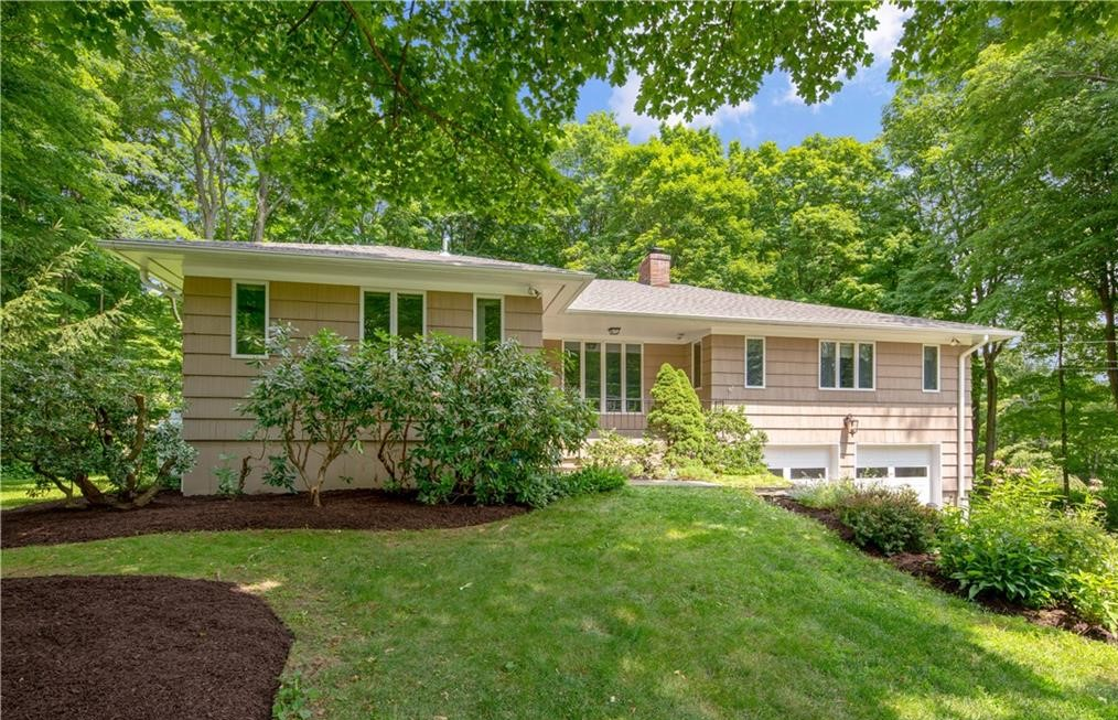 30 LINDENCREST DRIVE, DANBURY, CT 06811