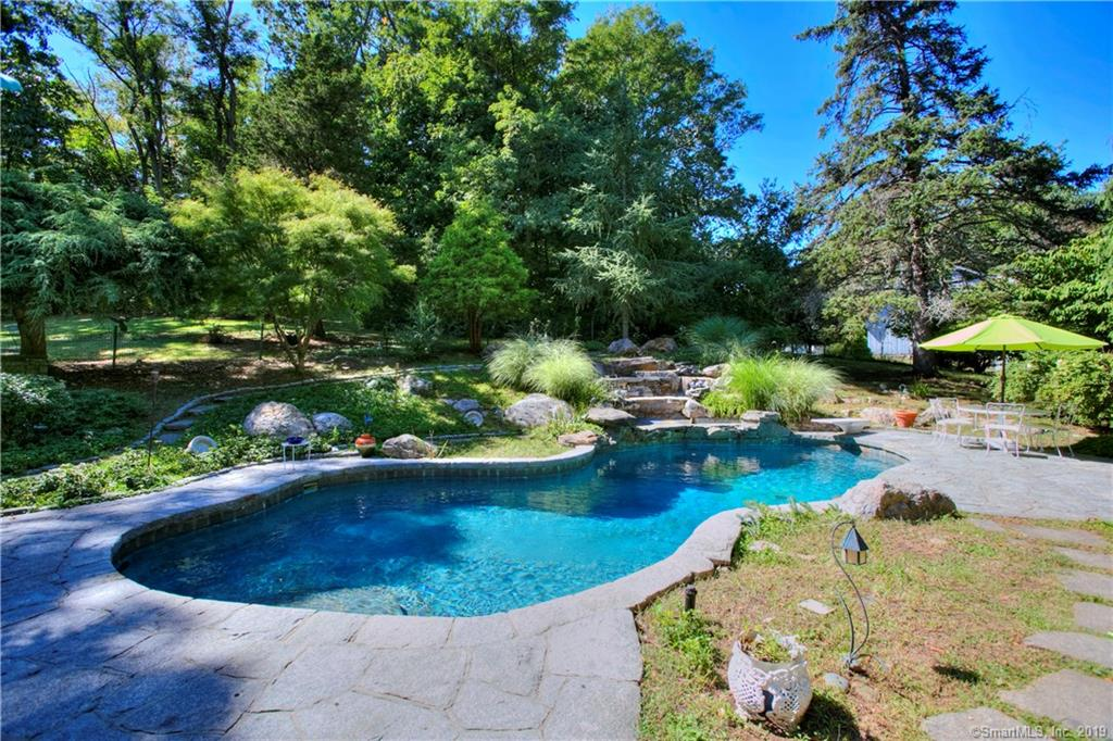 17 RIVER LANE WESTPORT CT